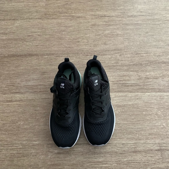 New Balance Shoes | Boys Size 4 Tennis